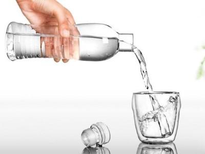 甘甜泉矿泉水:学会喝水,10年后你会感谢你自己