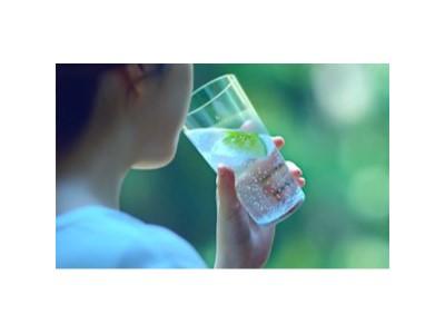 """甘甜泉矿泉水:喝好水,就是给细胞做个""""水疗"""""""