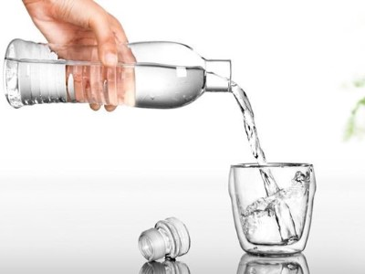 甘甜泉矿泉水:这根连通大脑的血管最易堵!现在喝水还来得及