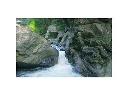 带你品尝3645年前的天然矿泉水——甘甜泉天然矿泉水